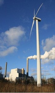 Wind power is just one alternative to fossil fuels, image by Rotatebot for Wikimedia
